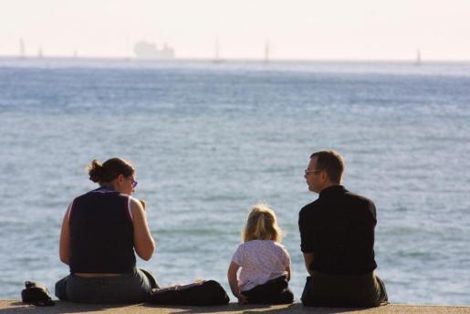 Una familia disfruta del buen tiempo en Mallorca.