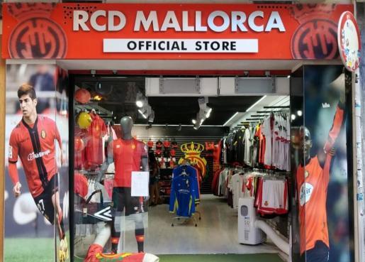 Imagen de la tienda de la plaza de Cort, en el centro histórico de Palma.