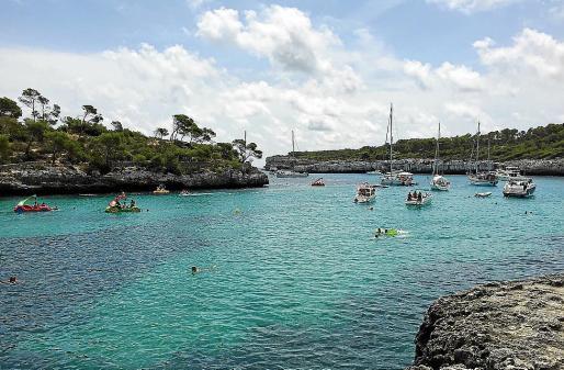 En Cala Mondragó solo podrán fondear barcos de hasta 12 metros de eslora.