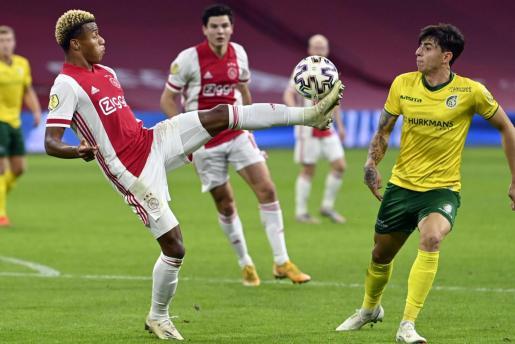 Jugadores del Ajax durante un partido.