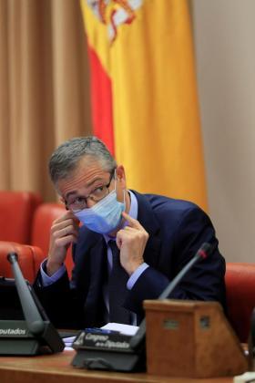 El gobernador del Banco de España, Pablo Hernández de Cos, durante su comparecencia este miércoles en la Comisión de Presupuestos del Congreso para ofrecer su análisis de las cuentas de 2021 presentadas por el Ejecutivo.