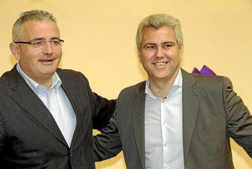 El líder de la Lliga Regionalista, Jaume Font (izq.) y el líder de Convergència per les Illes, Josep Melià (dcha.), en una imagen de archivo.