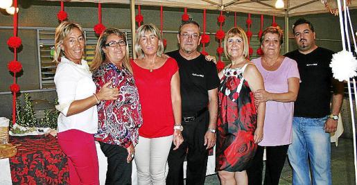 Mercedes Arcos, Maica Núñez, Ángeles Arcos, Jaime Gatell, Xisca Aguiló, Pepi Fuentes y Jaime Gatell Fuentes.