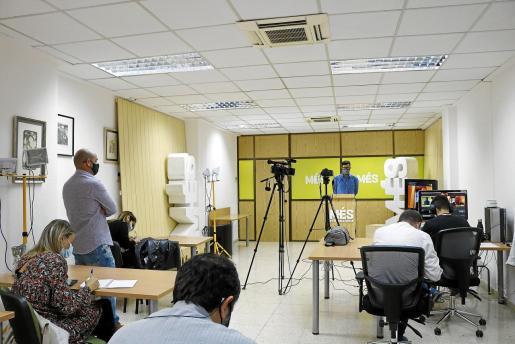 Antoni Noguera y, por videoconferencia, Joan Baldoví, diputado de Compromís.