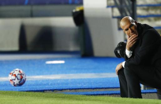Zinedine Zidane, entrenador del Real Madrid, durante el partido de CHampions League ante el Inter de Milán.