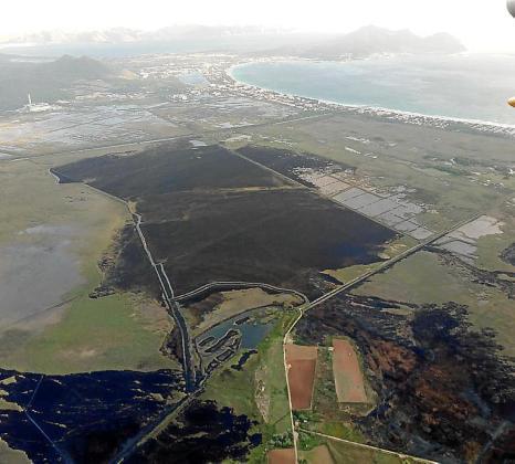 Vista aérea de los daños que ha ocasionado el último incendio.