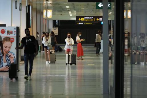 La medida, anunciada por el Gobierno, se aplicará en todos los turistas que entren en las Islas a partir del 23 de noviembre.