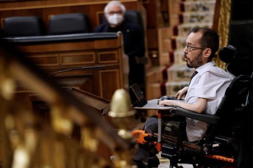 El portavoz de Unidas Podemos, Pablo Echenique durante su intervención en el Congreso.