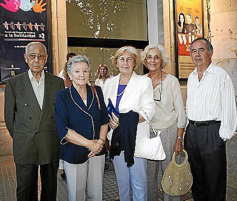 Gabriel Calafell, Coloma Blanes, María Oliver, Juana Jaume y Blas Ferrer, de Manos Unidas.