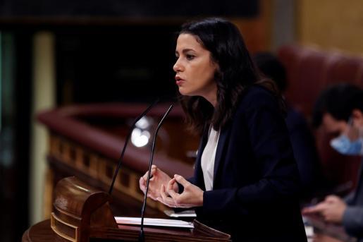 La presidenta de Ciudadanos, Inés Arrimadas, da un discurso en el Congreso este jueves durante la segunda jornada de debate a la totalidad de los Presupuestos de 2021.
