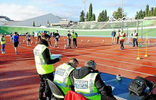 Pruebas físicas de los opositores a las 101 plazas de Policía Local de Palma.