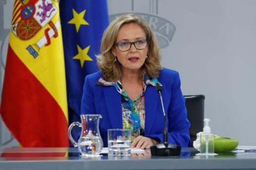 La vicepresidenta económica, Nadia Calviño, durante su intervención en la rueda de prensa posterior a la reunión del Consejo de Ministros.
