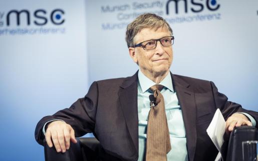 Bill Gates pronosticó que en el mundo pospandemia se darán la mitad de los viajes de negocios.