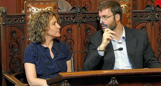 La actual delegada del Gobierno y el alcalde, en un pleno del Ajuntament de 2013.