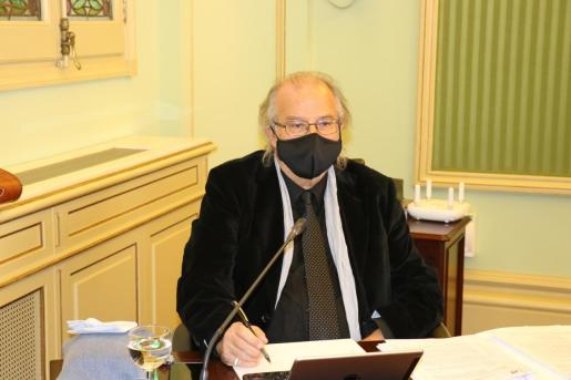 El director general de IB3, Andreu Manresa, en el Parlament.