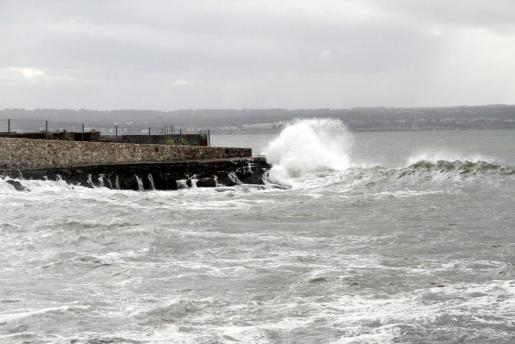 Este fin de semana se prevén olas importantes en algunos puntos de Mallorca.