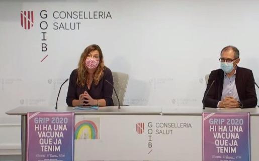 La consellera de Salut, Patricia Gómez, y el portavoz del comité autonómico de enfermedades infecciosas, Javier Arranz, ayer, en rueda de prensa.