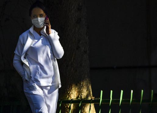 Los sanitarios, uno de los colectivos más afectados por los contagios.