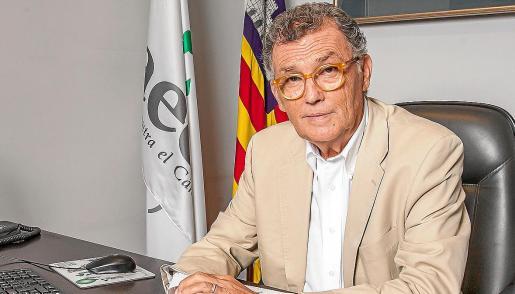 El doctor Javier Cortés lleva una vida dedicada a la investigación y la lucha contra el cáncer.