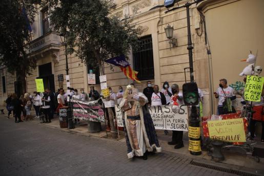 Imagen de la protesta de este martes frente al Parlament.
