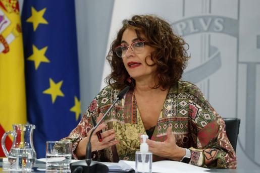 La ministra portavoz, María Jesús Montero, comparece en la rueda de prensa posterior al Consejo de Ministros este martes.