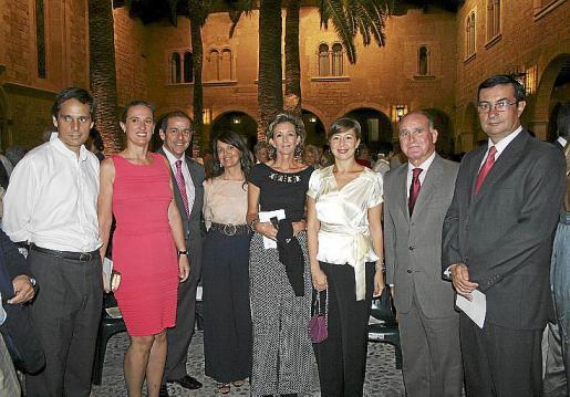 Rafael Carcasona, Mercedes Conrado, Gabriel Vallejo, Maribel González, María José Barceló, María José Frau, el general Adolfo Orozco y Víctor Manuel Navarro.