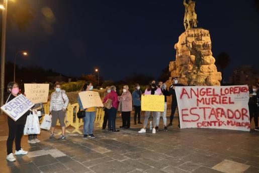 Protesta en Palma tras el cierre de Dentix.