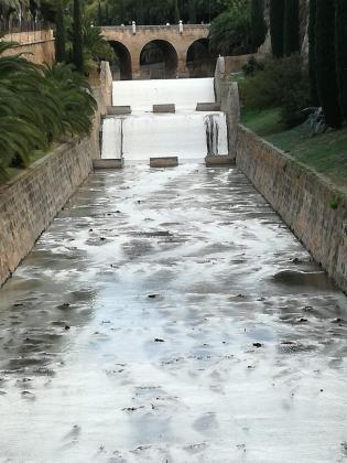 El agua de sa Riera presenta un aspecto turbio este jueves.