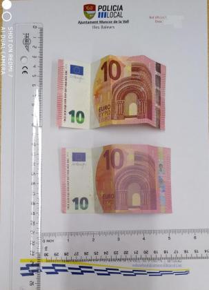 La notanilidad de los billetes presuntamente falsos es diferente a la de los originales, así como el tamaño.