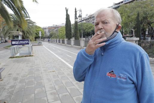 La nueva normativa permite volver a fumar en la calle.