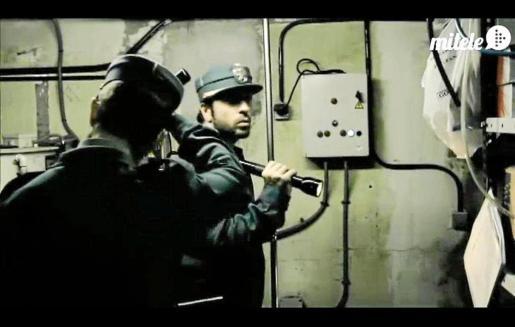 Montaje del programa de Cuatro 'Cuarto Milenio' en el que se recrea la entrada de la Guardia Civil en el hospital de Maó.
