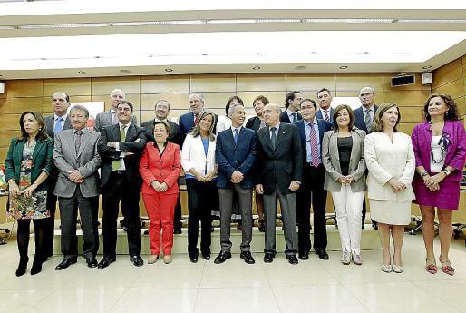Foto de familia de la ministra Mato y los consejeros de Sanidad de las comunidades.