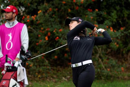 La golfista Nuria Iturrioz, durante un momento de la cuarta y última jornada , este domingo, del Andalucía Costa del Sol/Abierto de España, último torneo del 'Ladies European Tour' 2020 que se disputa en el Real Club Golf de Guadalmina de Marbella (Málaga).