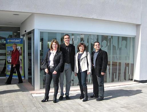 Nora Tugores con el alcalde y los regidores Llobeta y Buades en una imagen de archivo.