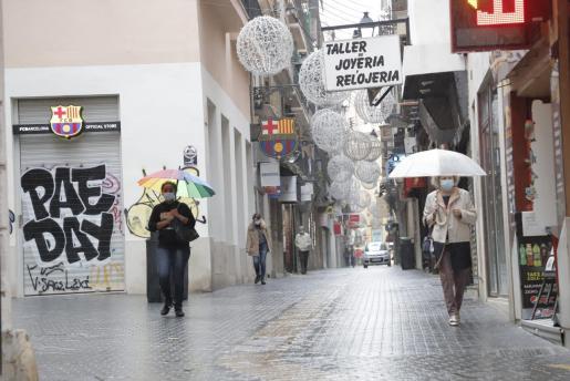 El miércoles se repetirá la imagen de los paraguas.