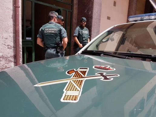 El agresor ha sido detenido por agentes de la Guardia Civil.