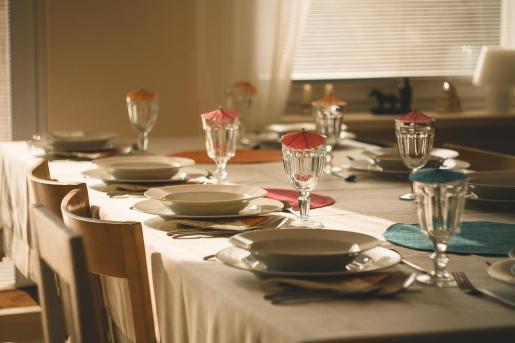 Superar el aforo permitido en las comidas familiares o con amigos puede salir muy caro.