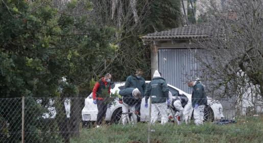 agentes de la Guardia Civil en la finca de Binissalem.