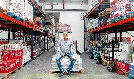 José Luis Escandell en la sede central y centro distribuidor de Coessa, en Sant Jordi.