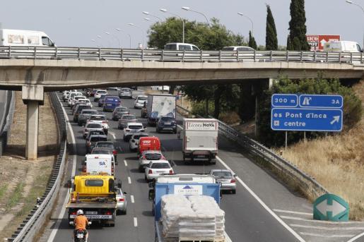 Imagen de archivo de la autopista colapsada.