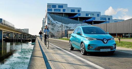 El más vendido. El Renault Zoe es el modelo eléctrico líder de ventas durante este año en España. Su precio, desde 28.838 euros, lo convierte en el más asequible del mercado.