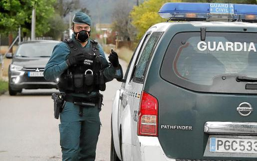 La Guardia Civil se desplegó este viernes en Inca y practicó un registro domiciliario.