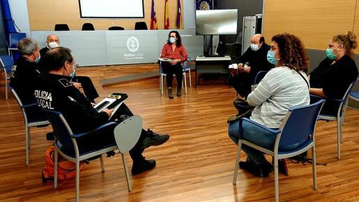 La Regiduría de Seguridad Ciudadana del Ayuntamiento de Palma se ha reunido estos días con las asociaciones vecinales.