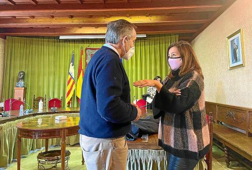 Armengol se reunió este miércoles con el alcade de Sóller, Carlos Simarro, y todo su equipo de gobierno.