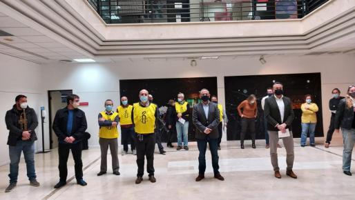 Miembros de la organización y del equipo de gobierno han tomado parte en un acto.
