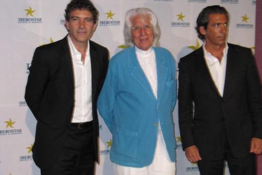 Antonio Banderas, Miquel Fluxà y Luis Erol, director de Promoción.