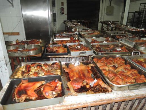 Can Coric hornea más de 100 lechonas en Navidad.