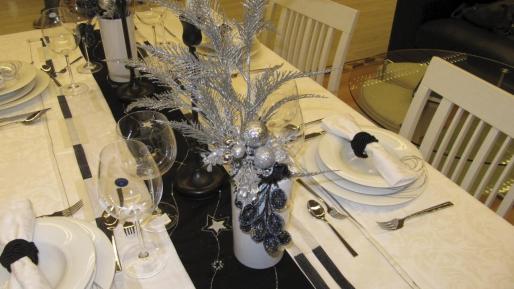 Imagen de una mesa de Navidad.