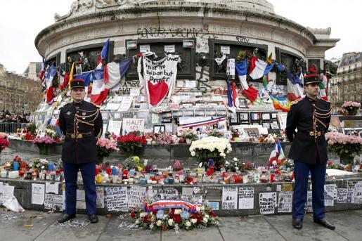 Tributo a las víctimas del atentado en la redacción de Charlie Hebdo.