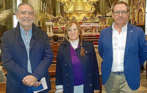 Juan Sastre Moyá con Marga Sanjosé y Antonio Planas.